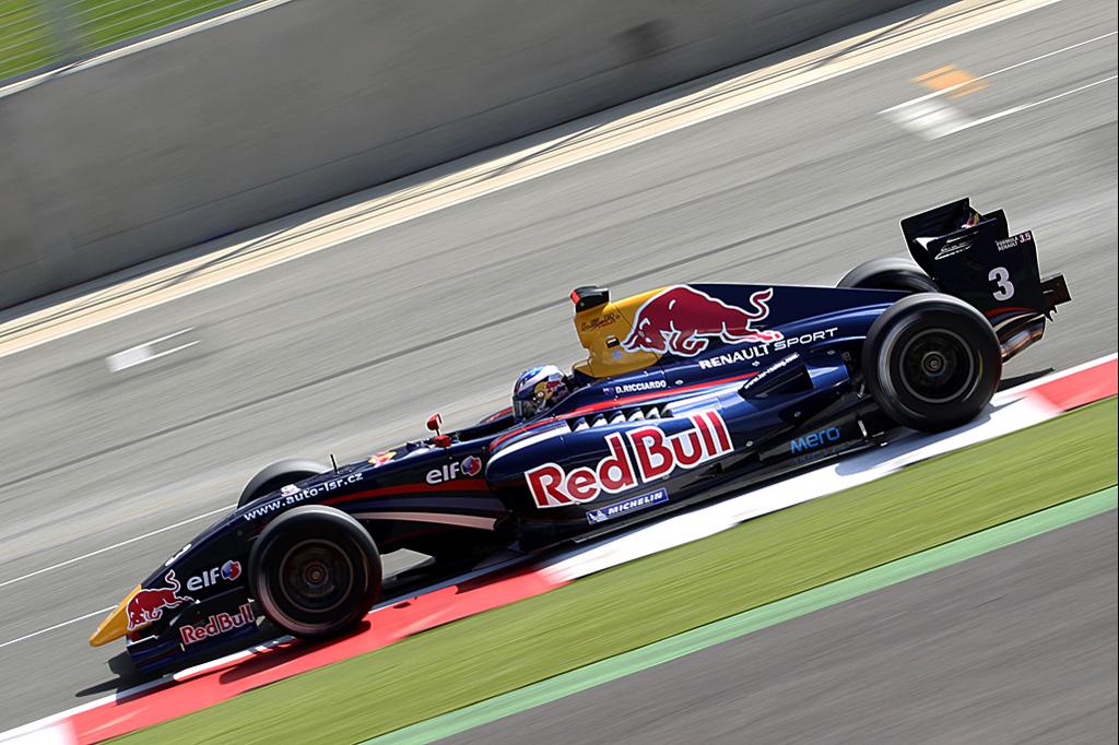 Motorsport Portfolio �...